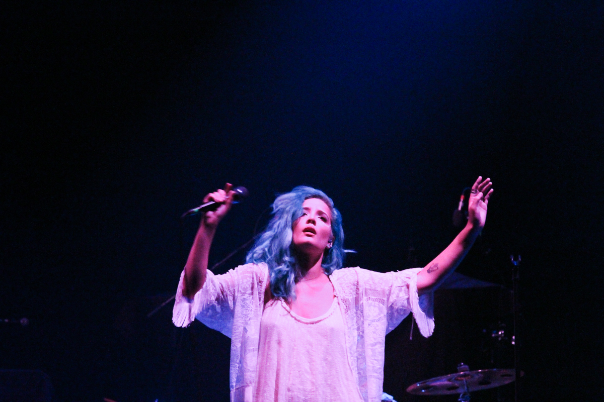 Album Review Halsey Badlands: Welcome To The Badlands: A Review Of Halsey's Knockout